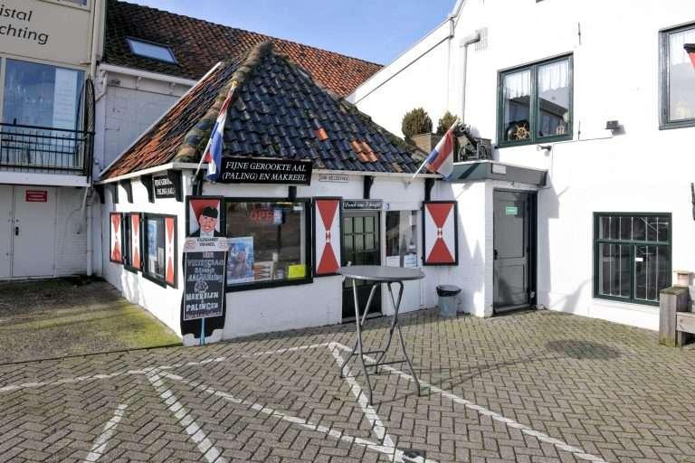 'Denk om 't hoofd paling Volendam